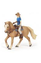 Cheval western et sa cavaliere